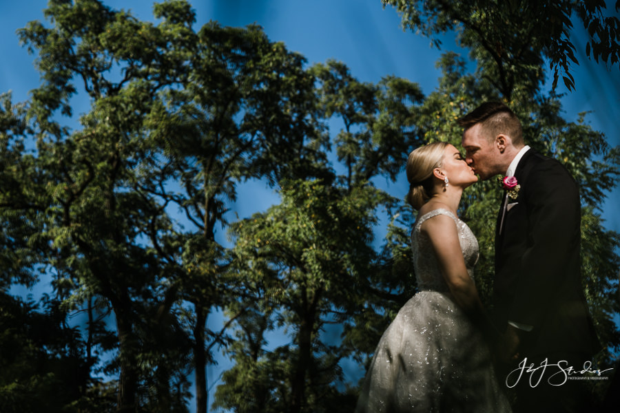 Amanda and Eric at Ramblewood Country Club Wedding