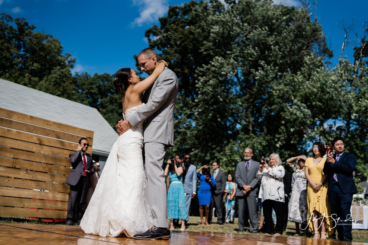 bride and groom first dance baltimore wedding photo by john ryan j&j studios