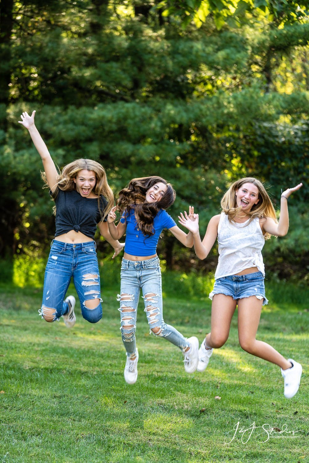 mitzvah girls having fun philly mitzvah photographer
