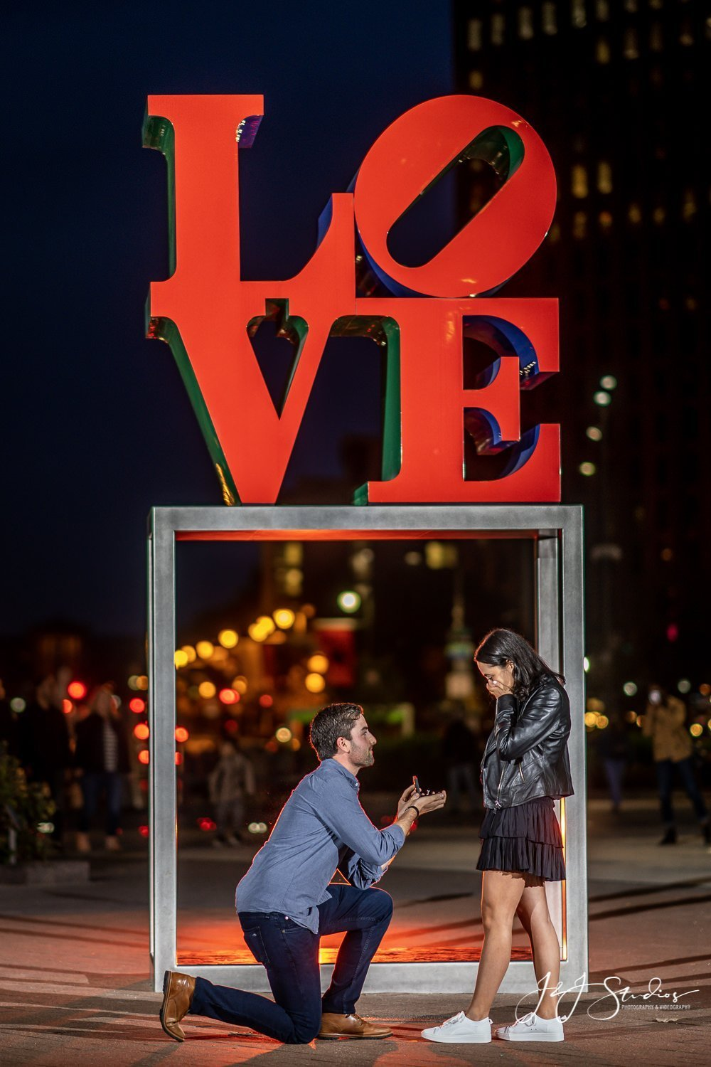 famous philly love statue proposal LOVE Park Proposal