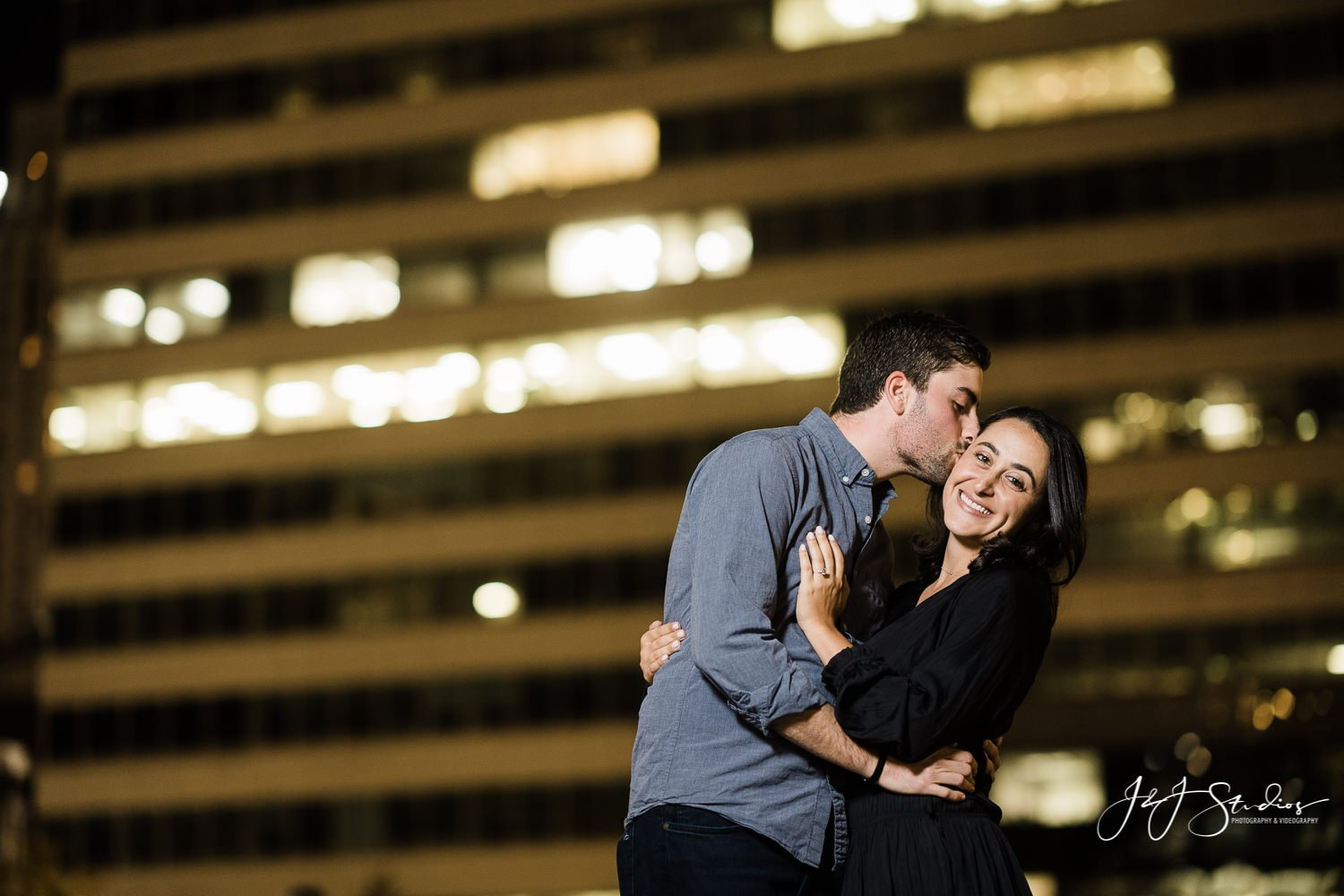 beautiful philly engagement photographer