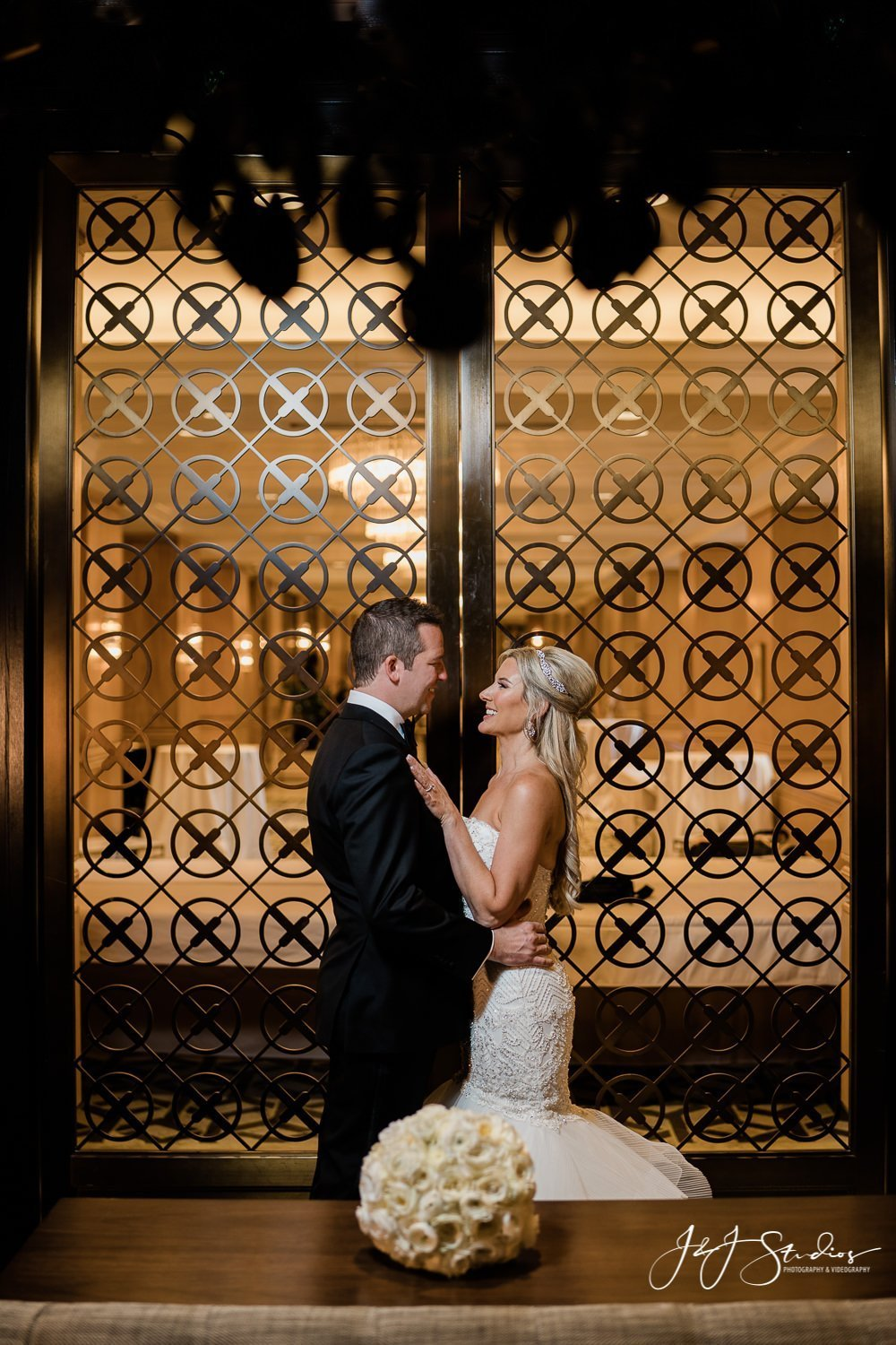 bride and groom portraits wedding day rittenhouse hotel