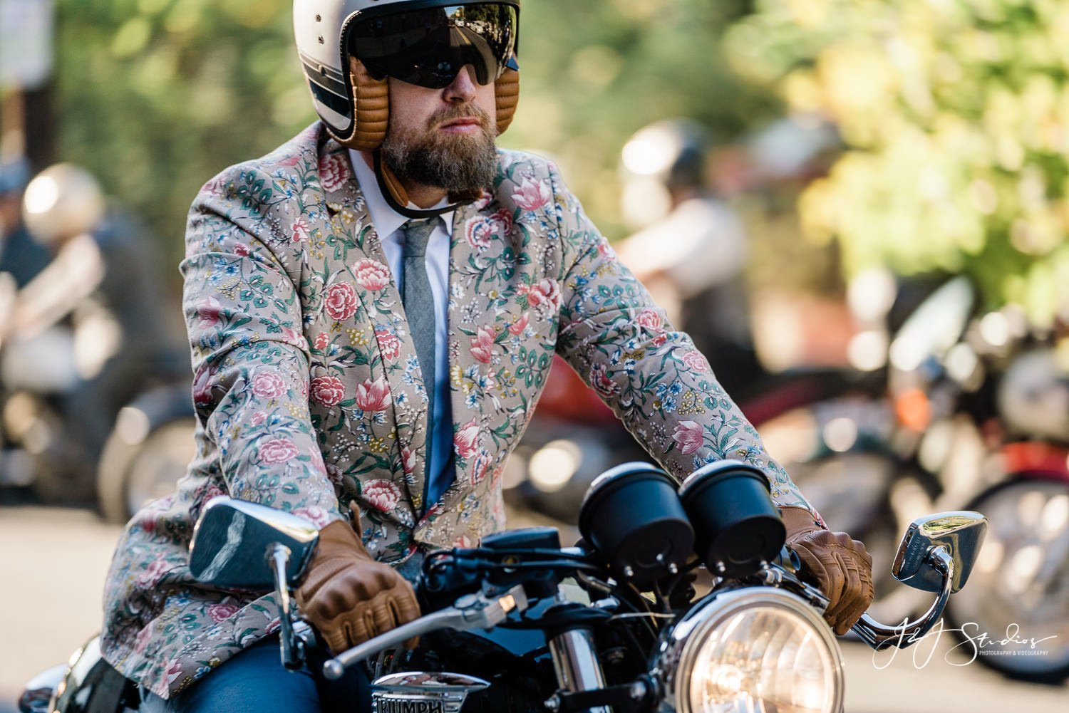 man in floral suit dgr 2019 philly