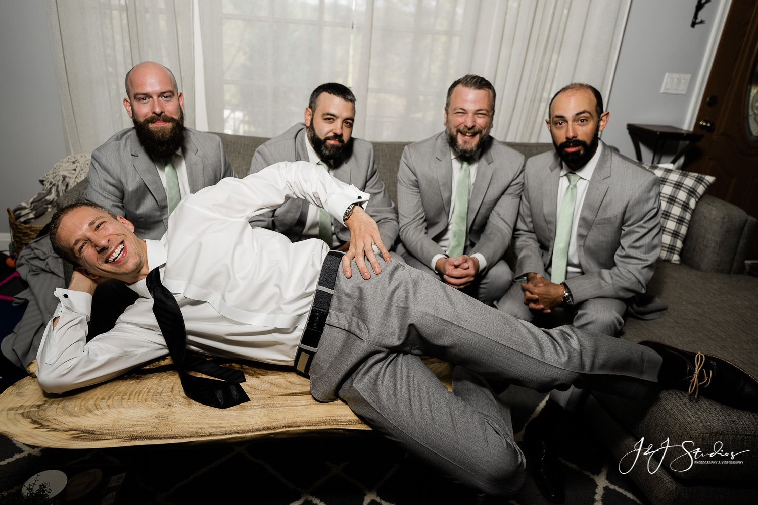 groom and groomsmen baltimore wedding photo by john ryan j&j studios