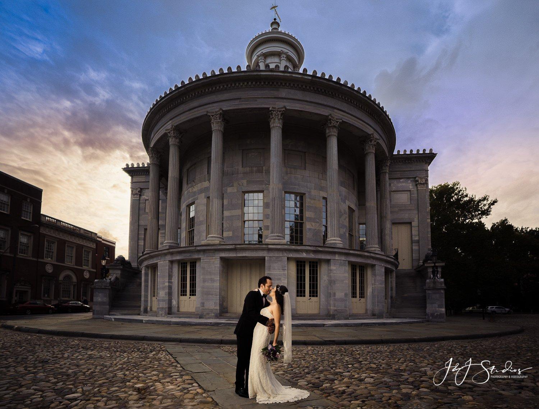 epic wedding photo at merchant exchange building