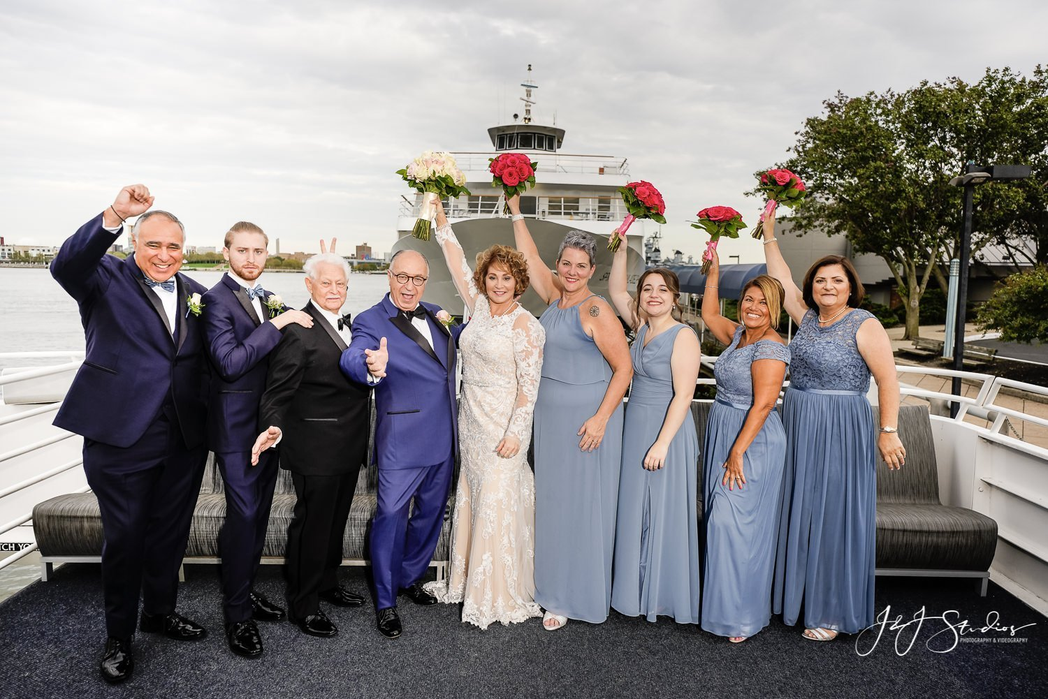 bridal party on freedom elite private yacht philly