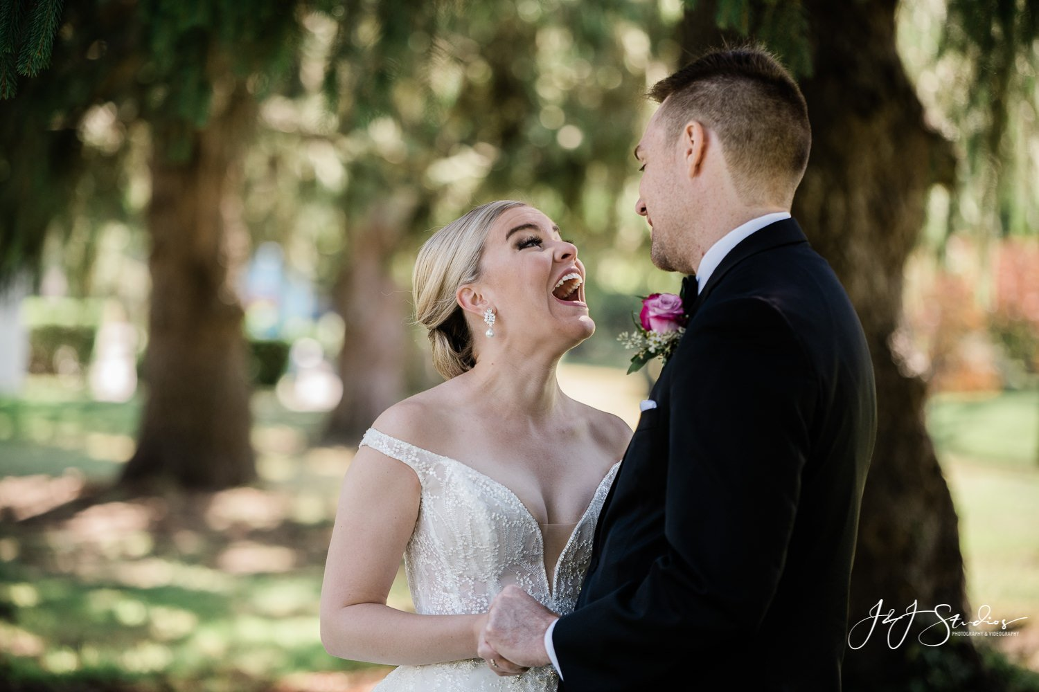 bride and groom laughing ramblewood country club