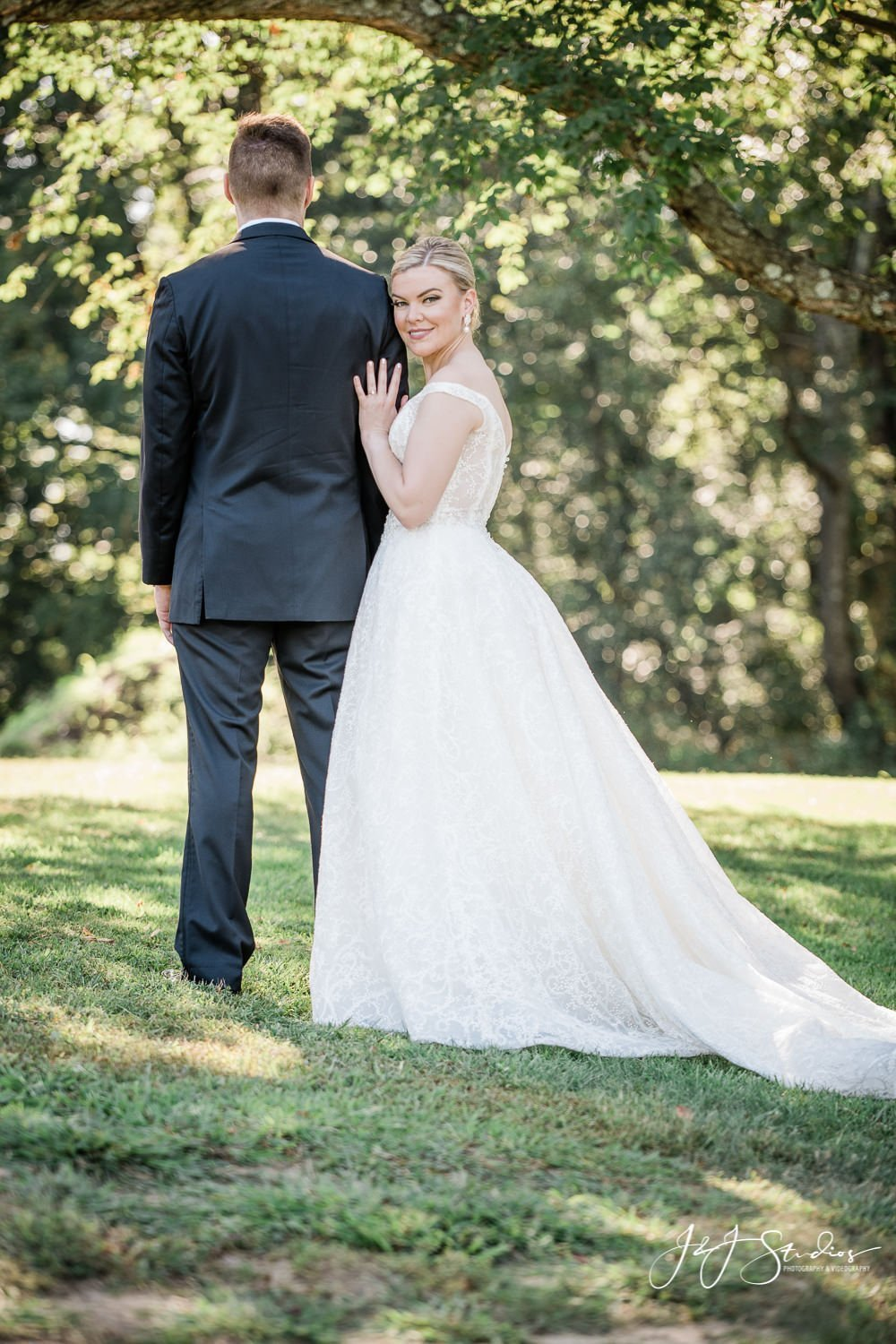 bride and groom portraits at golden hour
