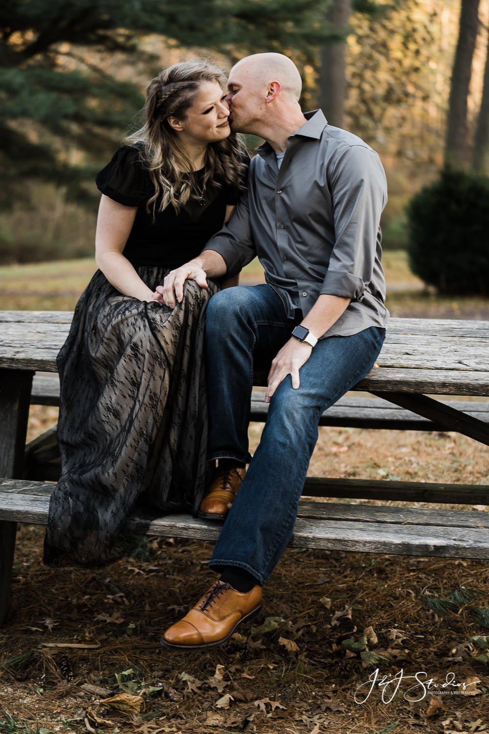 philly's best engagement photographer