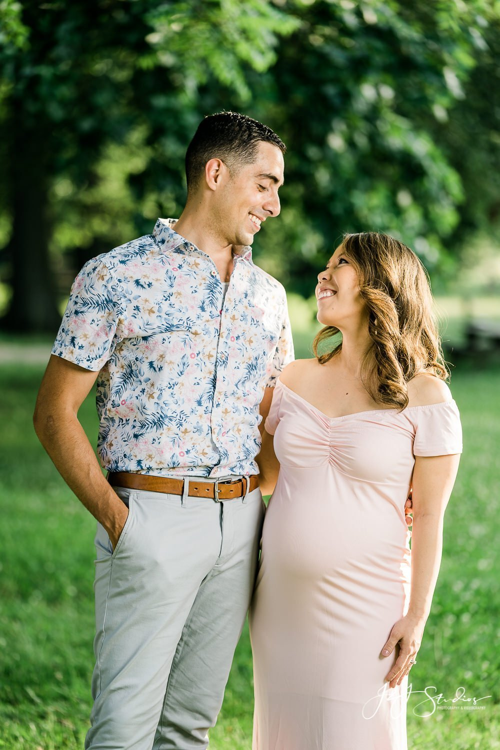 Bellevue State Park maternity session
