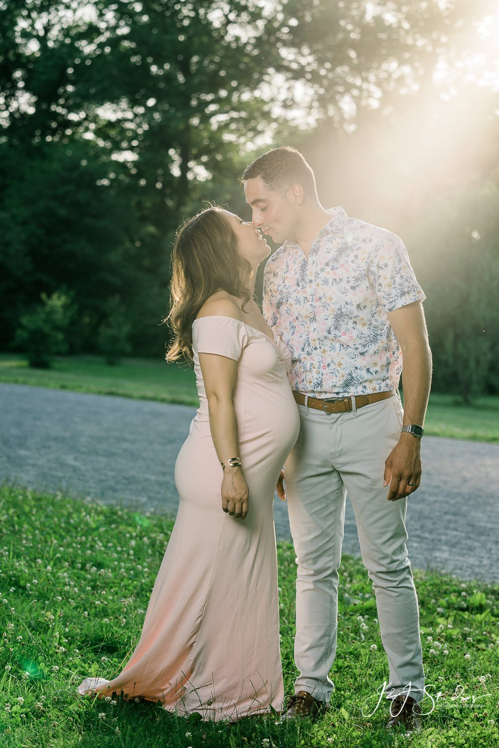 golden hour maternity photos by john ryan