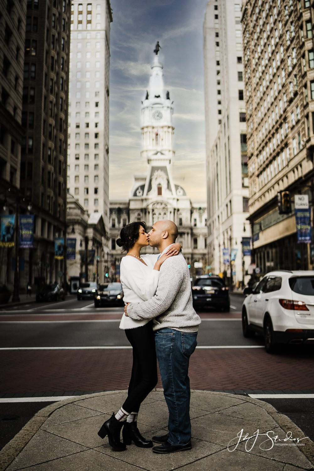 philly city hall engagement shoot