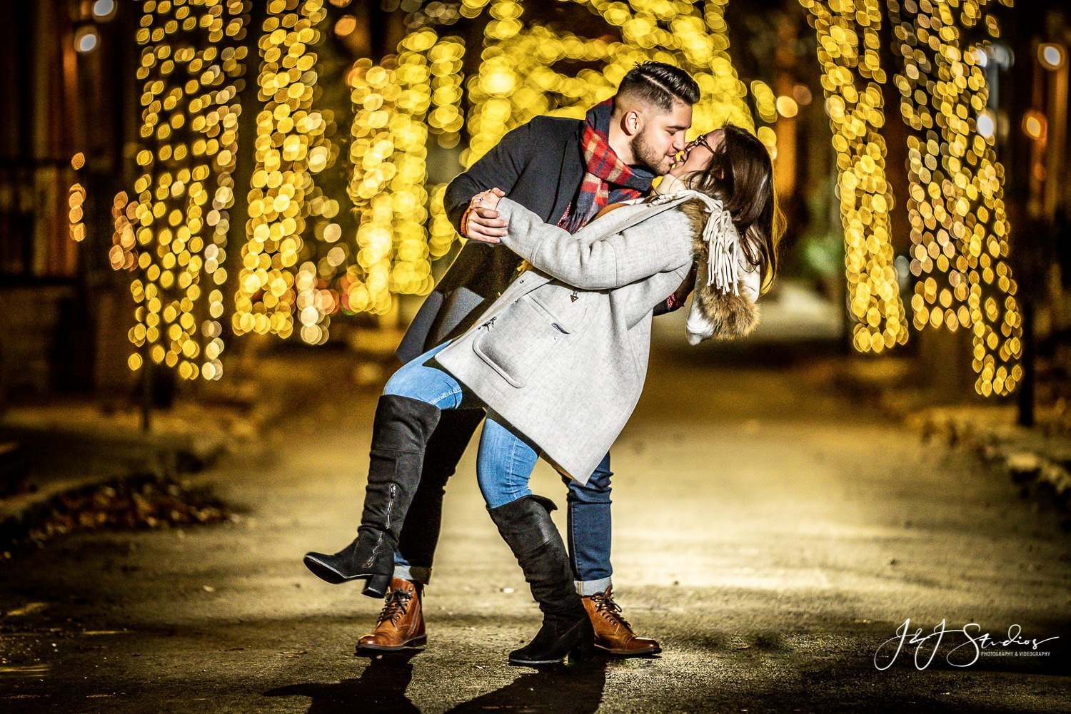 philly christmas tree lights engagement photography by john ryan