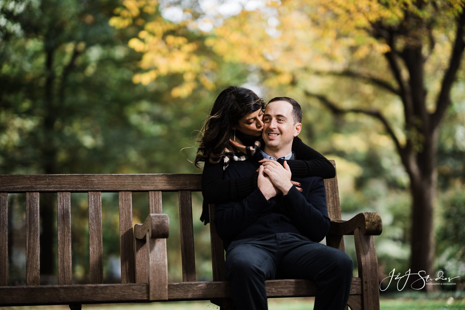 rittenhouse square engagement photo philly