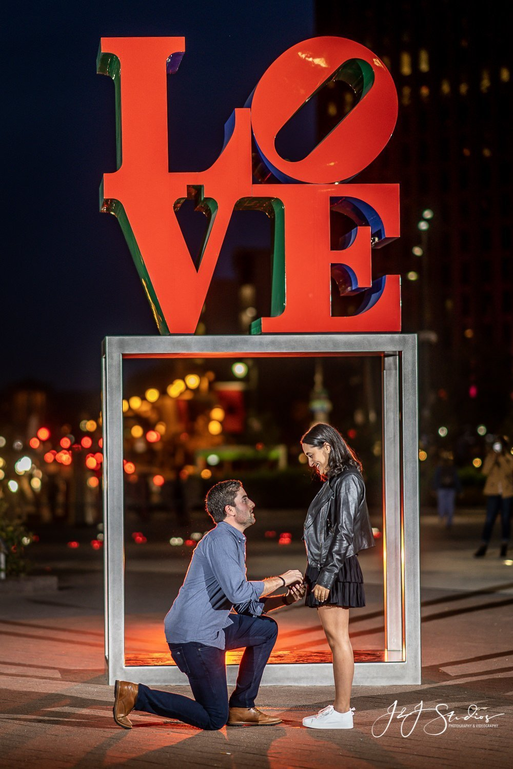 love park proposal philadelphia pa