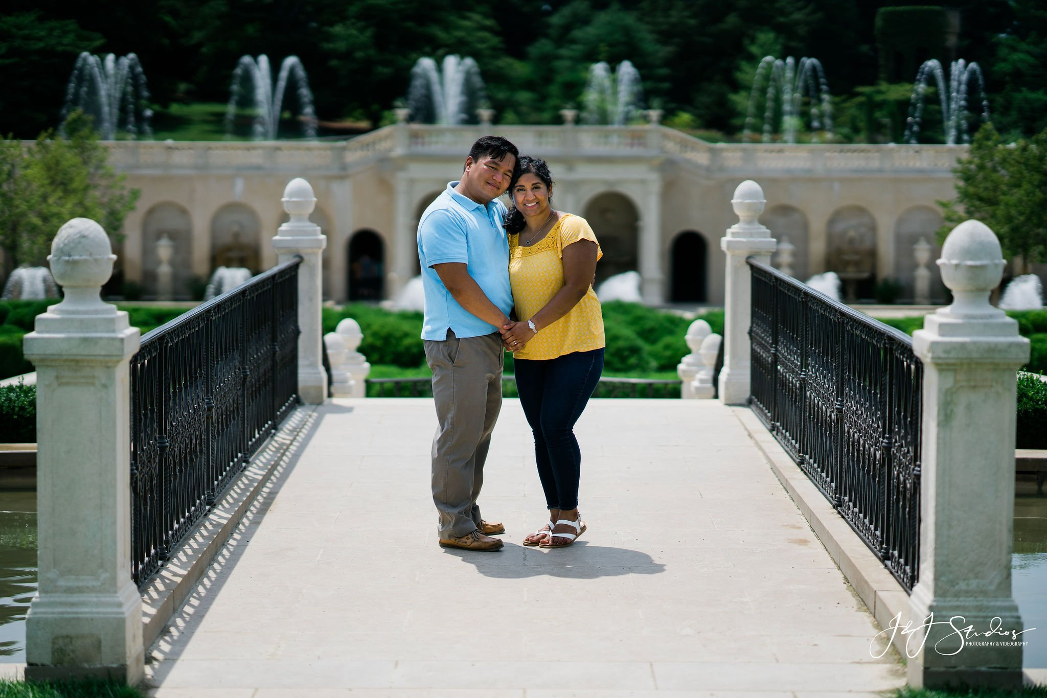 fountains engagement shoot longwood gardens