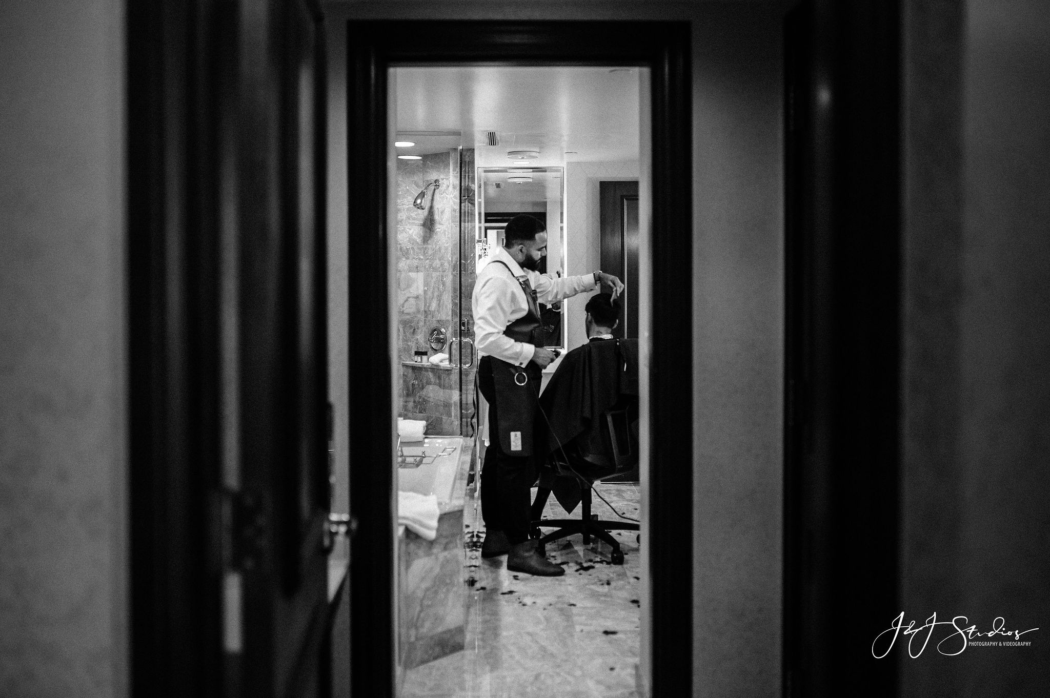 groom getting ready hotel dupont
