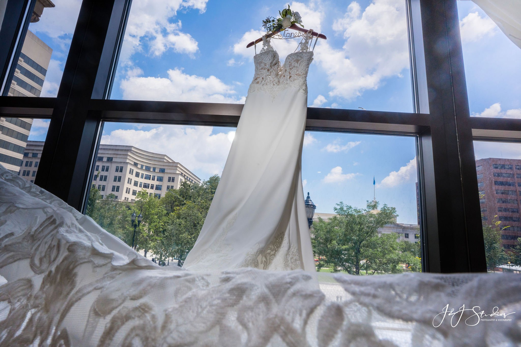 brides dress hotel dupont