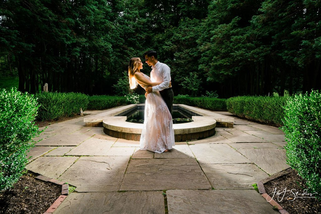 fountain hunting hill mansion engagement