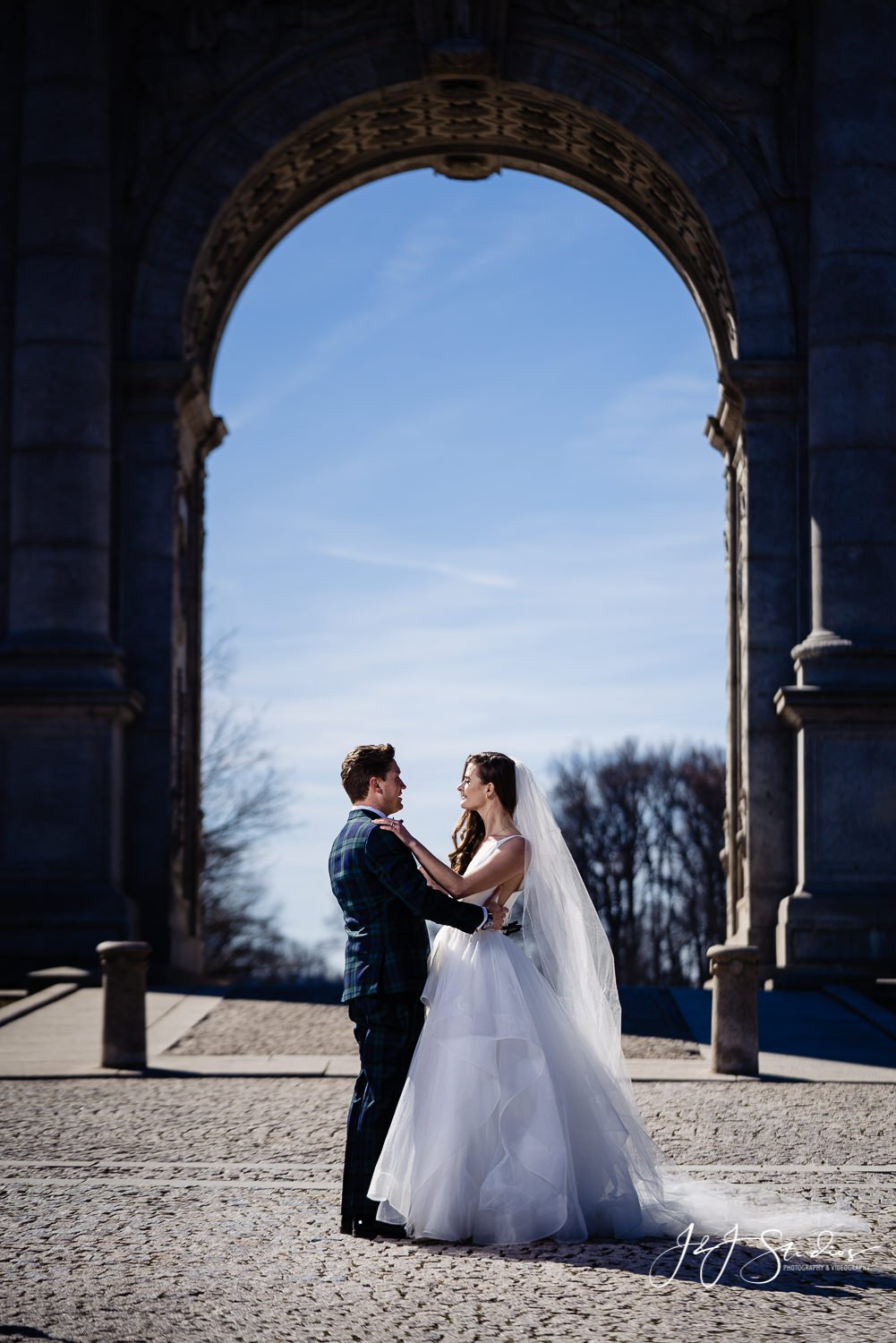 candid philly wedding photographer