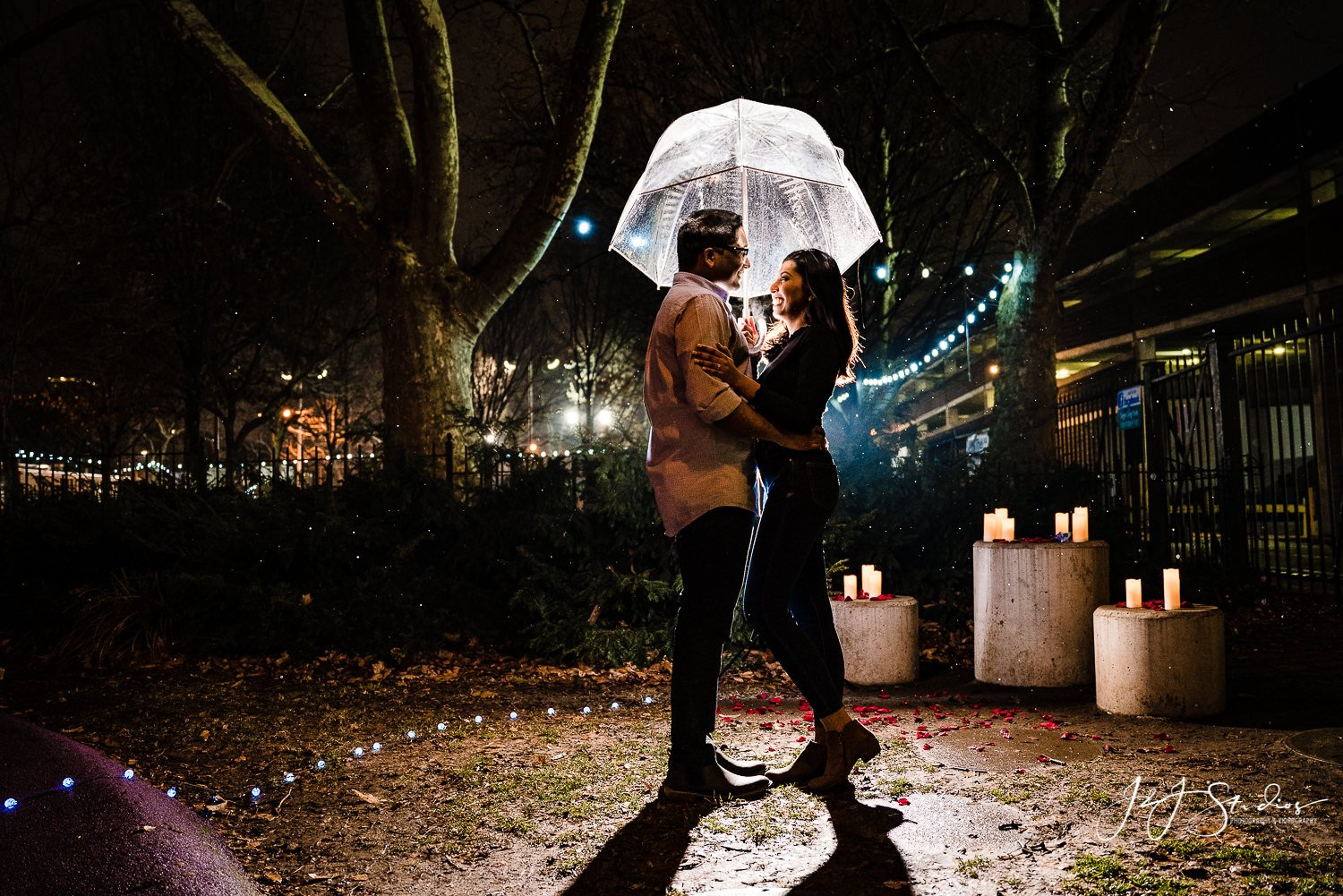 cute philly engagement photos
