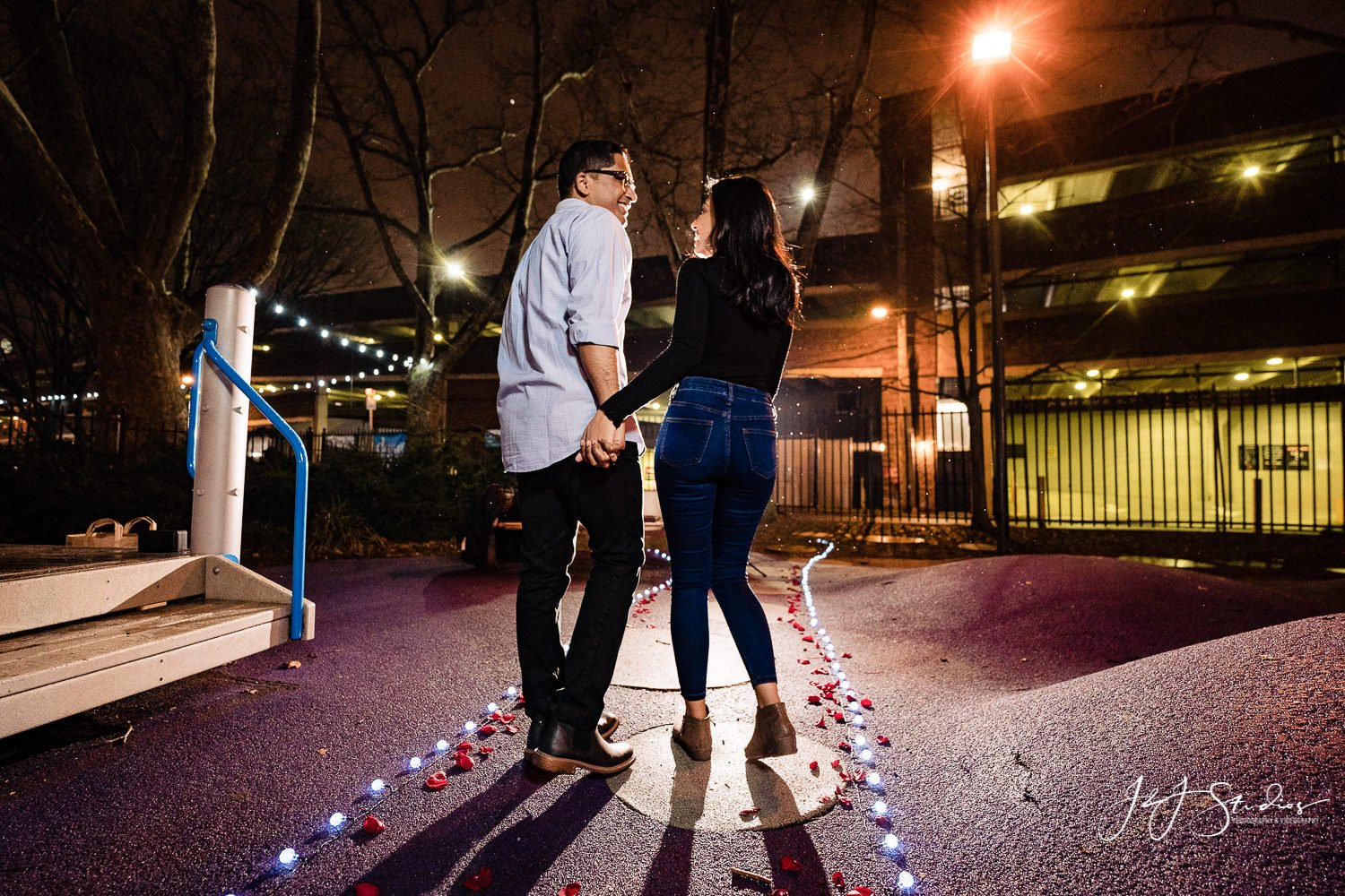 newly engaged philly couple