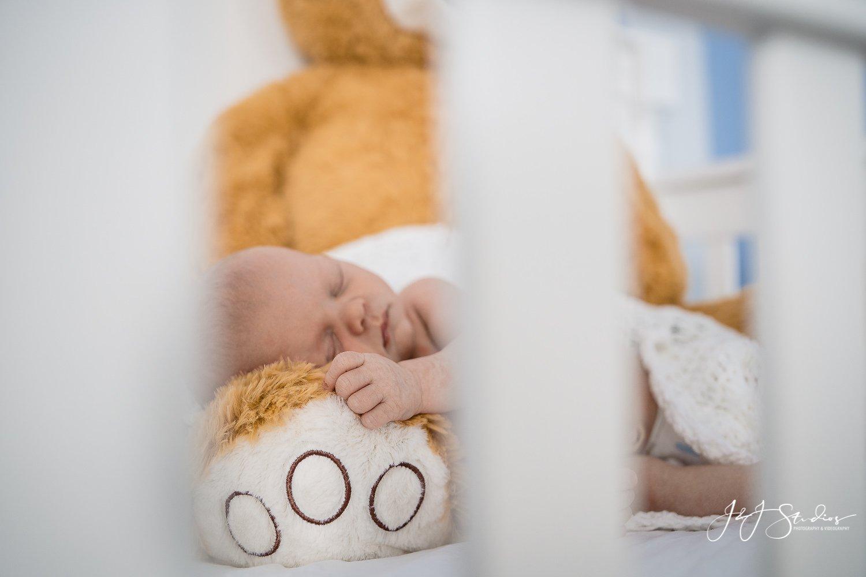 baby napping philly lifestyle newborn best newborn photographer john ryan jj studios