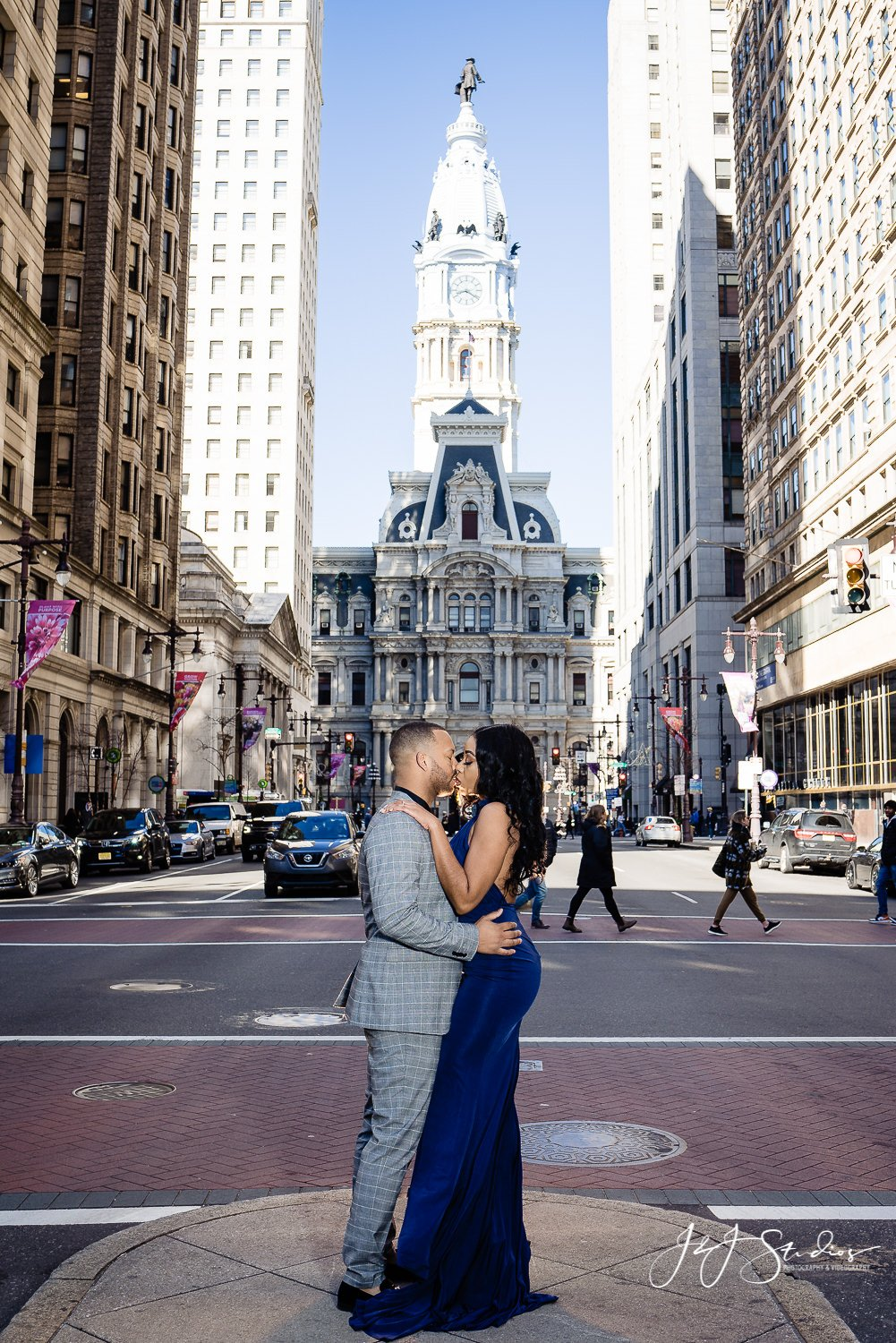 philly city hall famous engagement photo