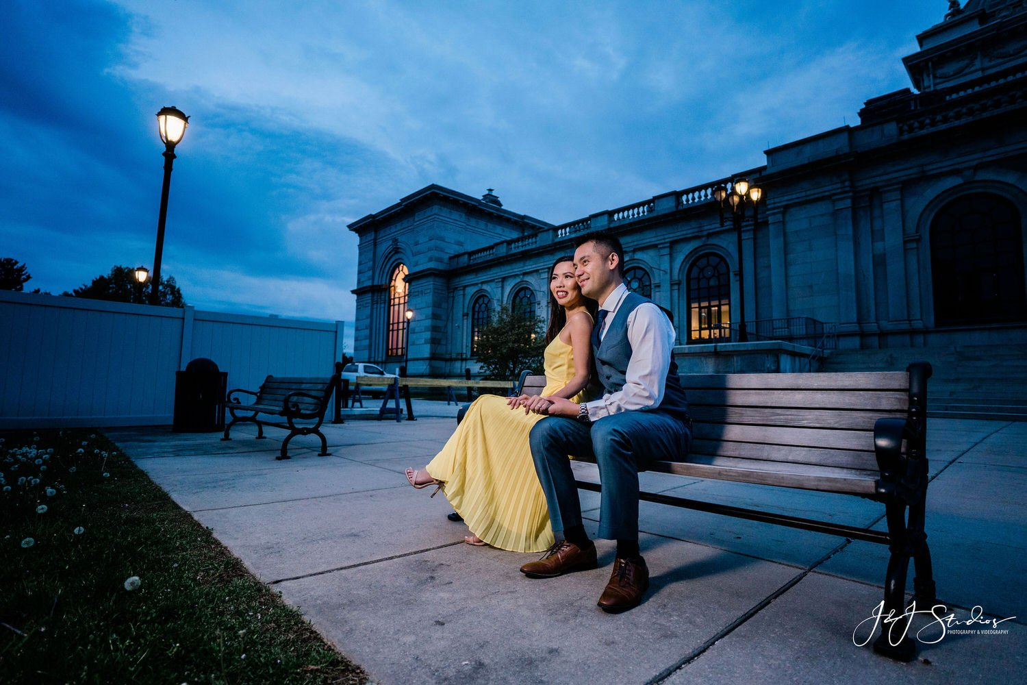 please touch museum memorial hall engagement shoot