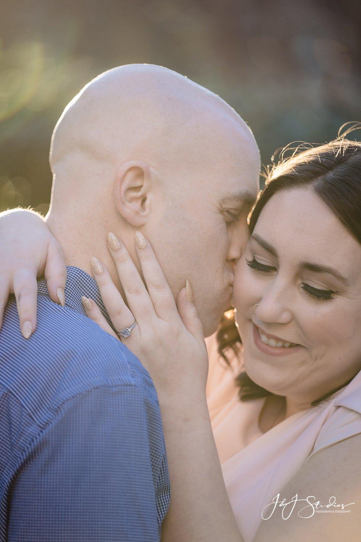 cute philadelphia engagement couples