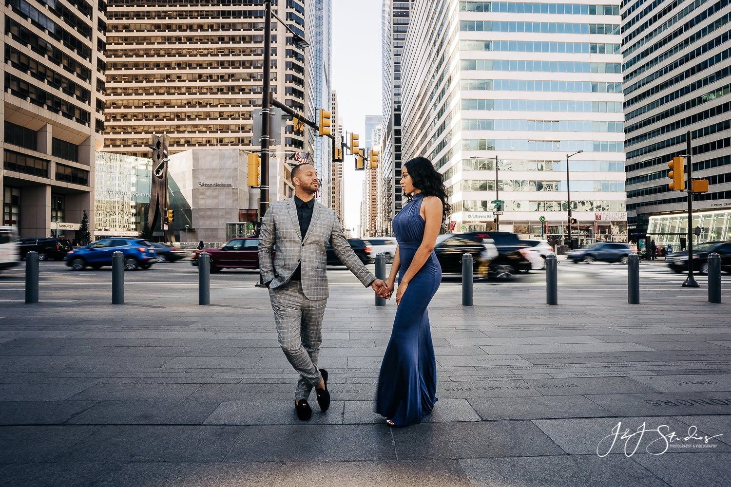 busy philly engagement session