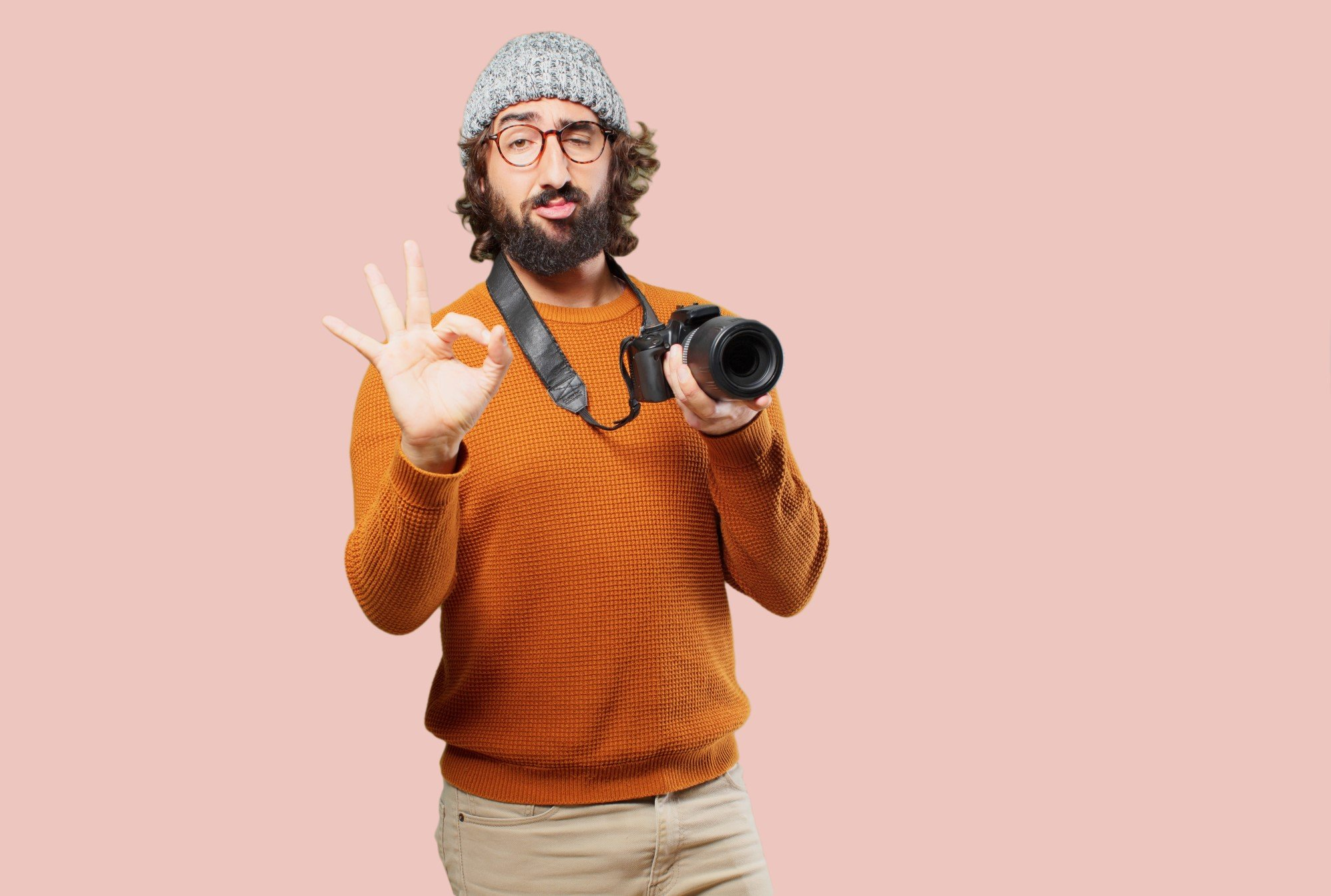 Photographer wearing non-matching clothing