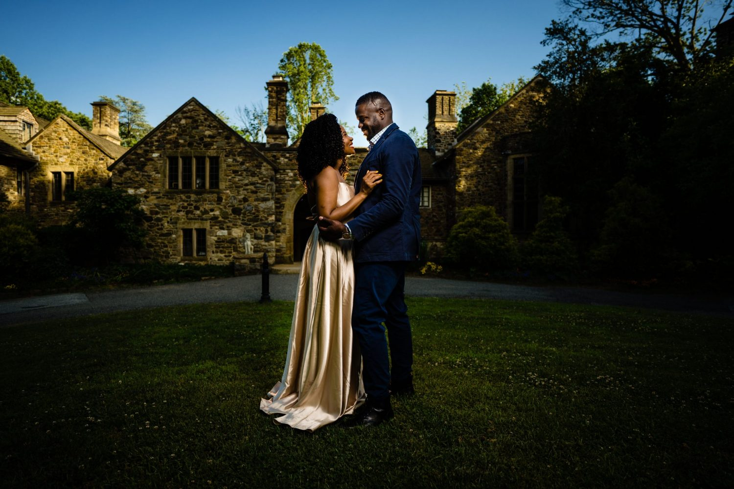 Couple in love at Hunting Hill Mansion