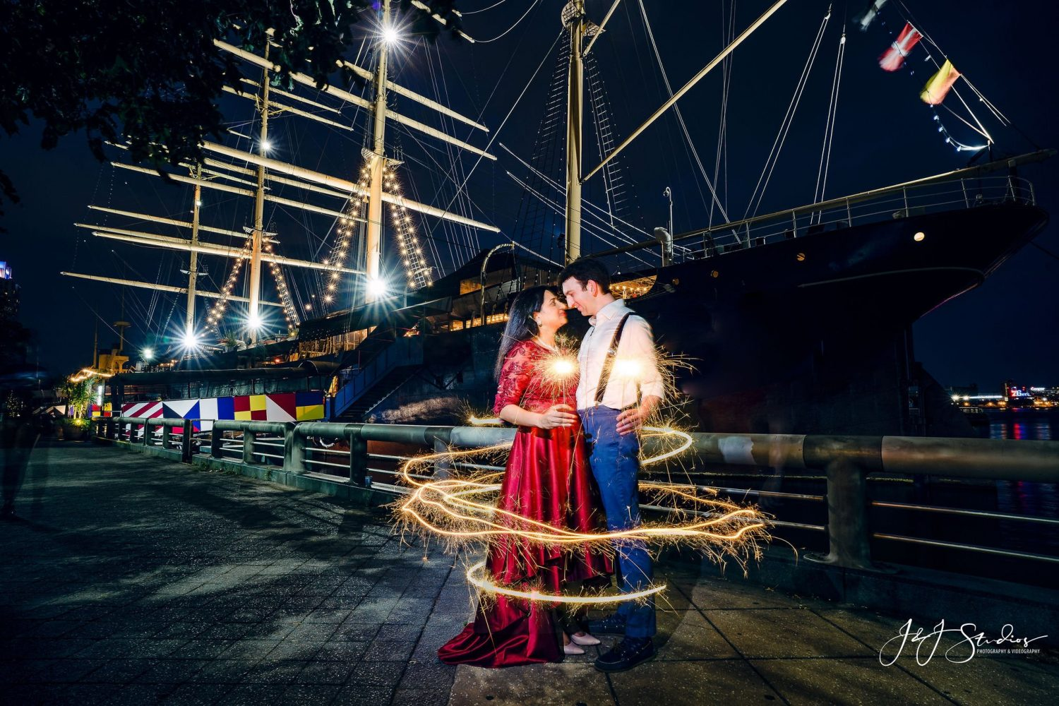 sparklers photography engagement session happy