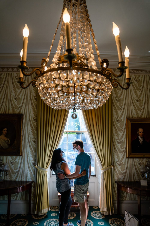 chandelier couples session egagement
