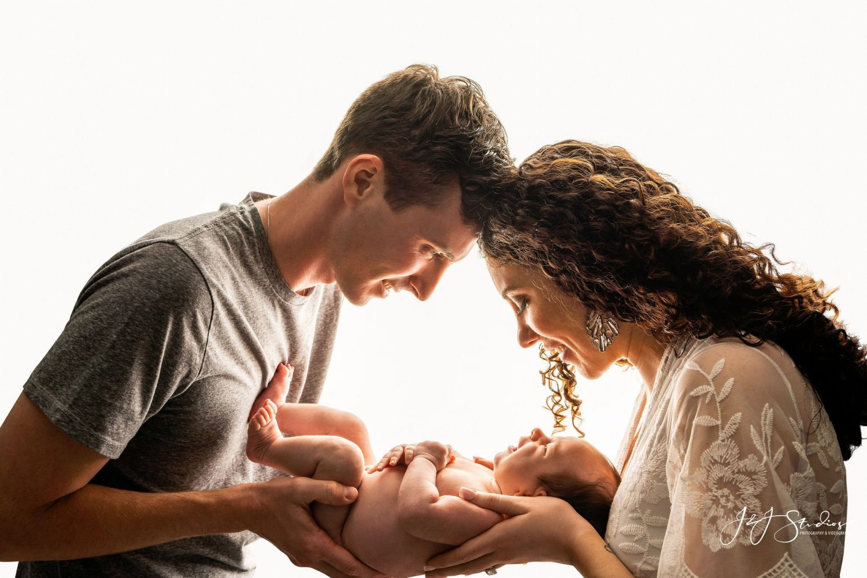 parents newborn philadelphia photographer pennsylvania